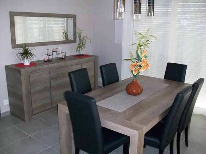 Création d'ensemble salle à manger en bois - Réalisation d'aménagement intérieur par Elégance Bois - Artisan Créateur à Remouillé (44) - Agenceurs sur mesure