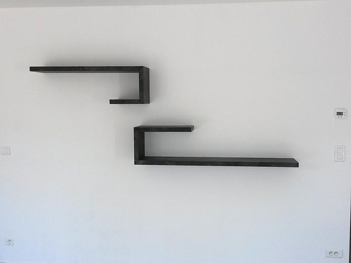 Création de tablette à fixation invisible - Réalisation d'aménagement intérieur par Elégance Bois - Artisan Créateur à Remouillé (44) - Agenceurs sur mesure